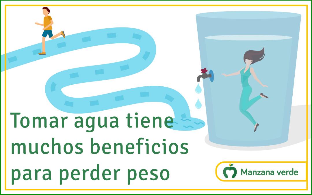 Tomar agua tiene muchos beneficios  para perder peso